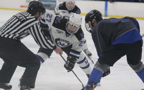 Men's Ice Hockey Looks for Another Win