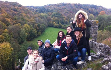 Group of students studying abroad from 2013.